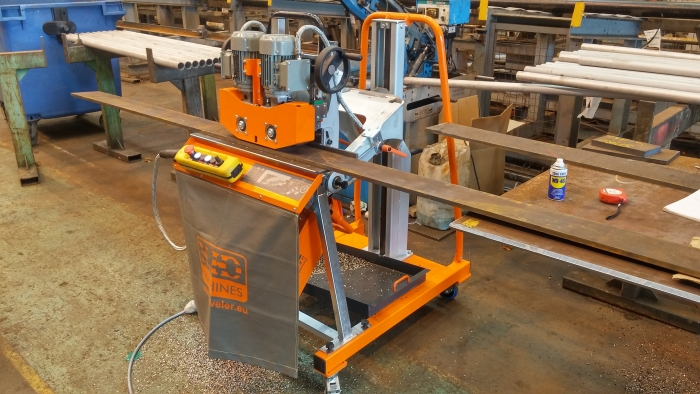 Bevelling system UZ50 TRIUMPH + MANIPULATOR 3D +Table for bevelling of small size sheets