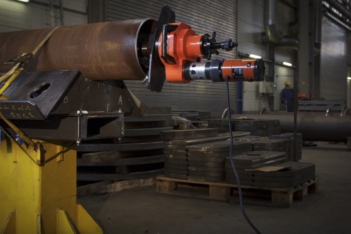 Pipe bevelling system with inner clamping , in pipe axis ISY 351